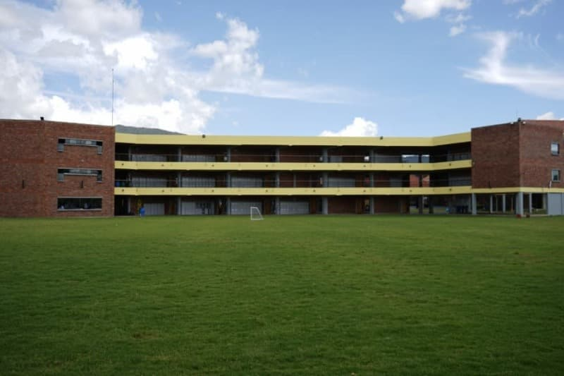 Bachillerato Bajo - Colegio Buckingham